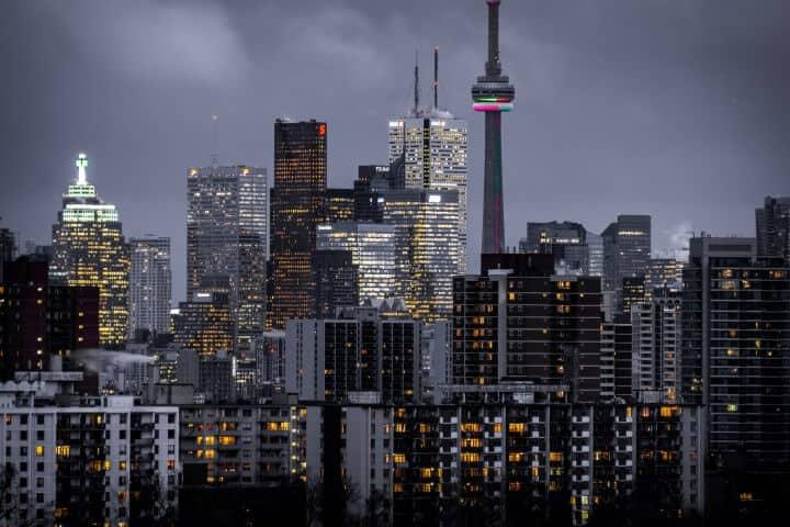 Moving to Toronto? 2019 Living Costs & Relocation Tips