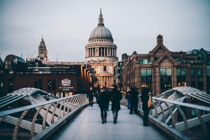 Moving To London? 11 Costs & Other Things To Know